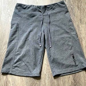 4/$40⚡️Roots Active Shorts